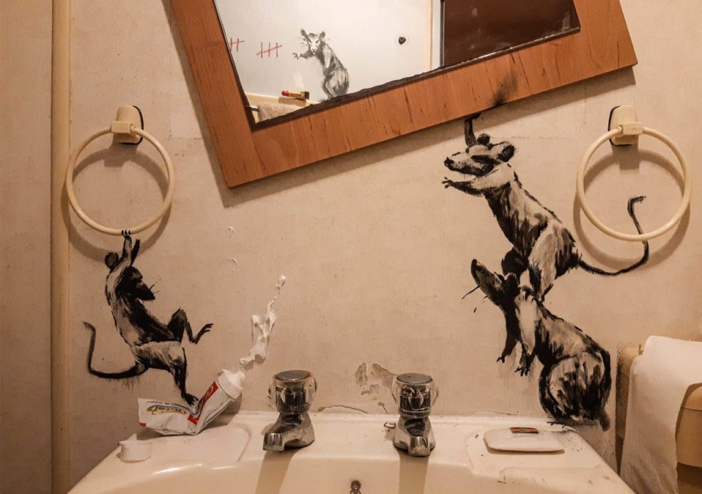 Banksy made his new work in the bathroom of her home2