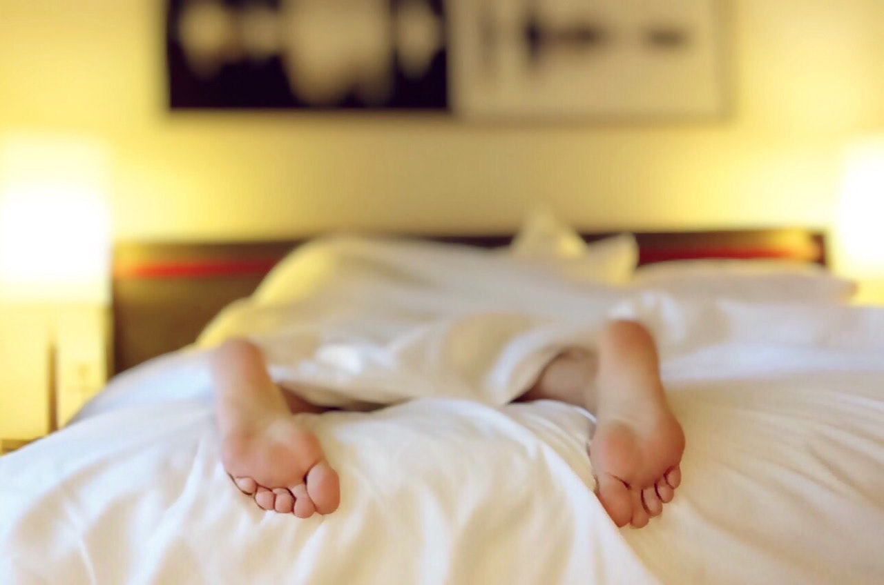 Can our brain make a decision at the moment of sleep